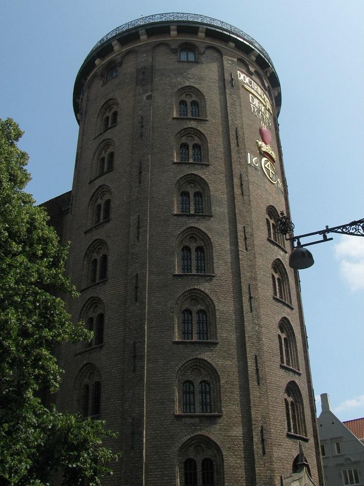 De buitenzijde van de Ronde Toren te Kopenhagen