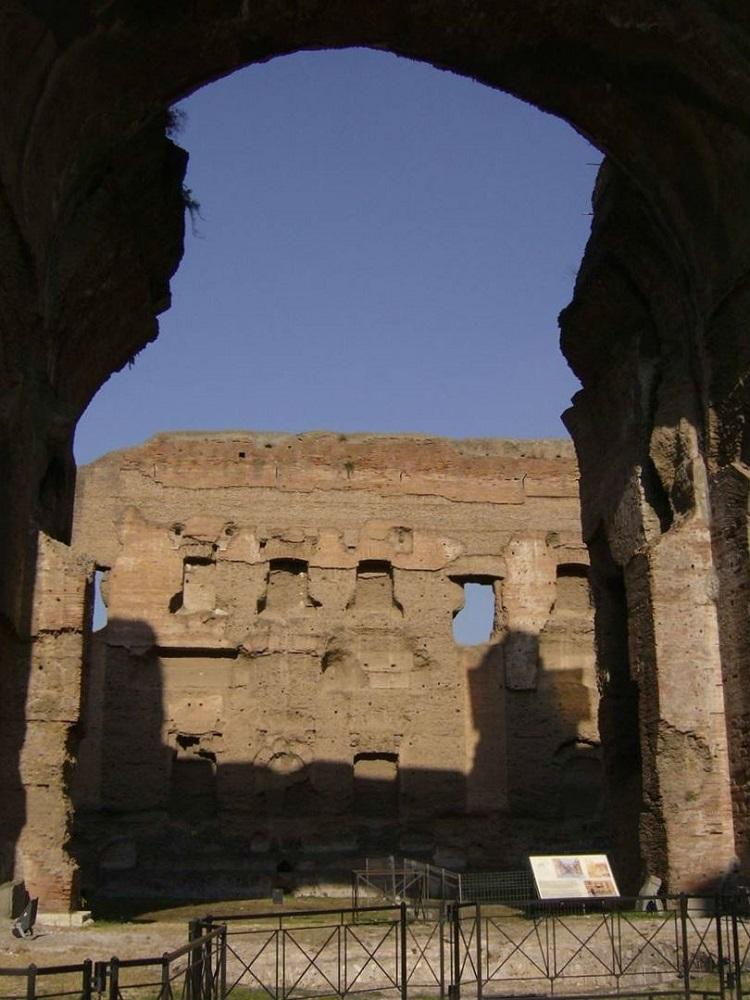 Doorkijkje in de Caracalla thermen te Rome