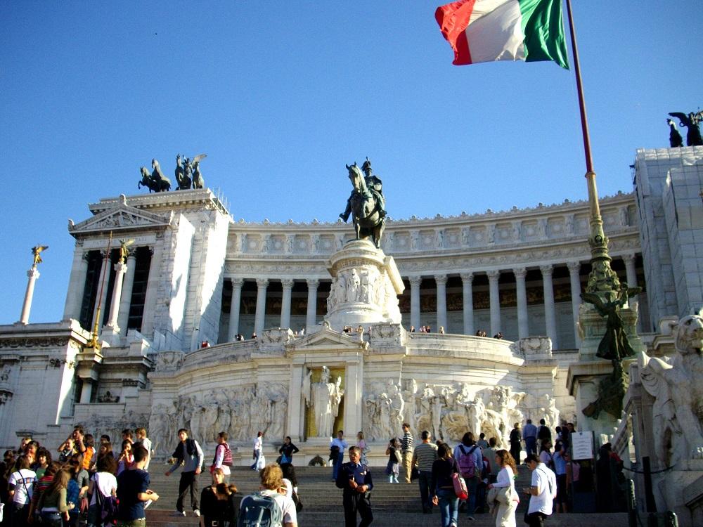 Victor Emanuel II monument te Rome met het graf voor de onbekende soldaat