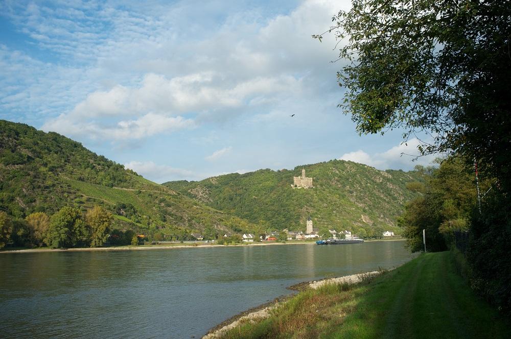 Eén van de vele burchten langs de Rijn, Burg Maus bij St. Goarhausen