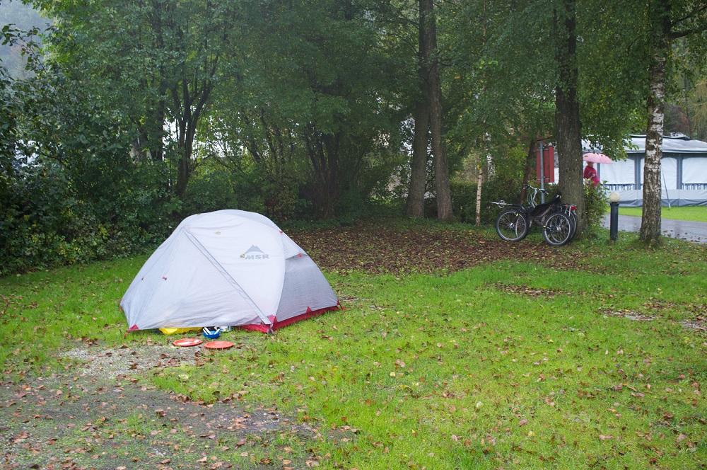 Onze tent in de regen op camping Stein aan de Simssee