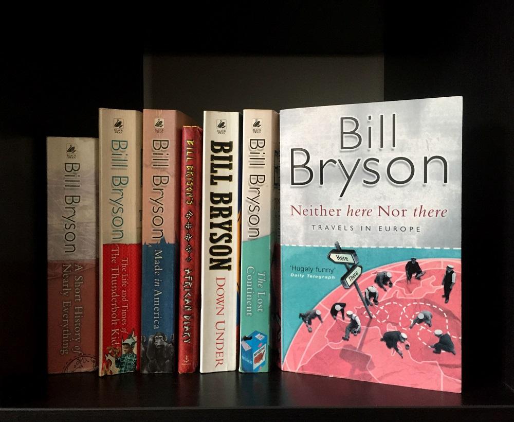 Boeken van Bill Bryson in de boekenkast