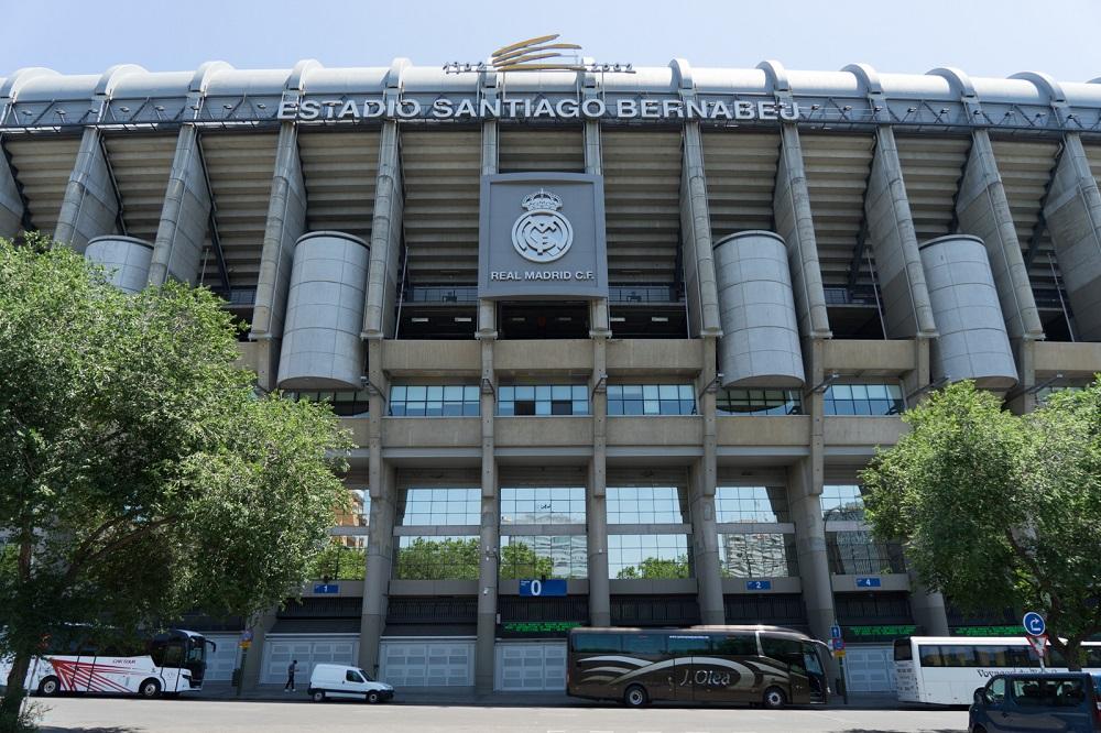 Facade van het voetbalstadion Santiago Bernabeu van Real Madrid, te Madrid