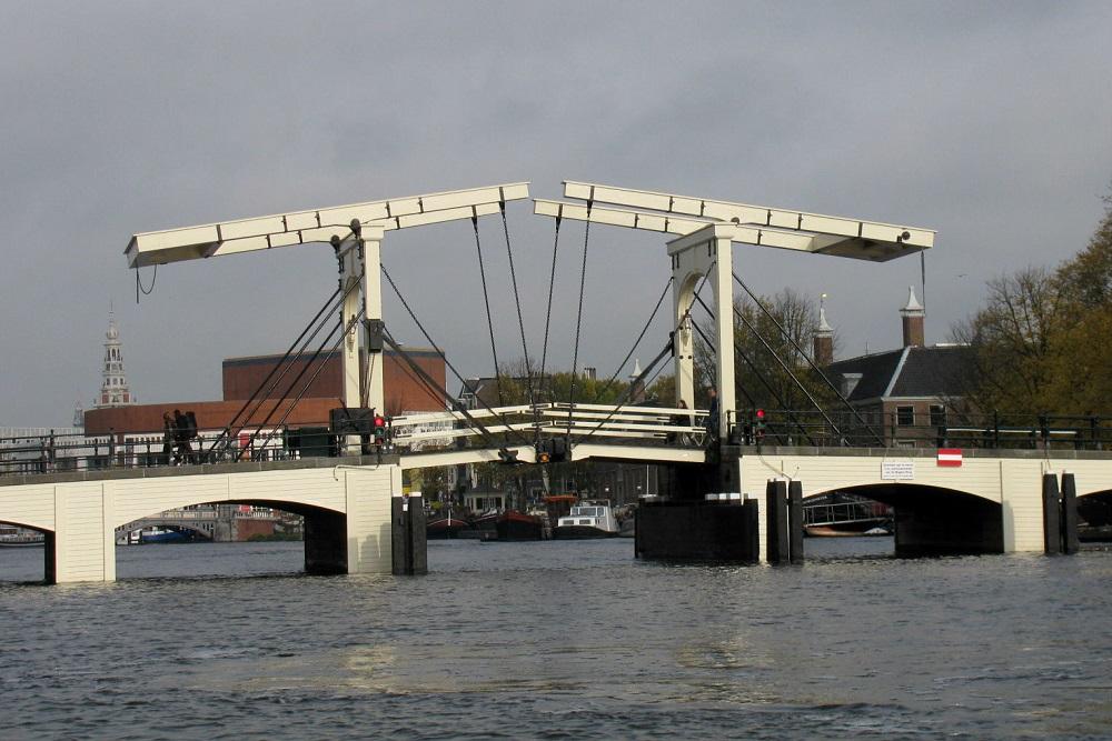 De Magere Brug over de Amstel te Amsterdam