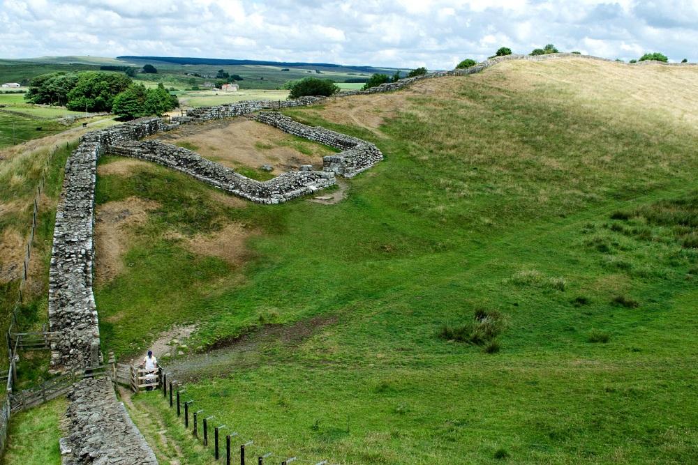De Muur van Hadrinaus in het Engelse landschap